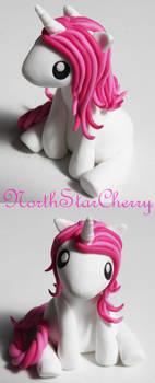 Mini Unicorn in Pink