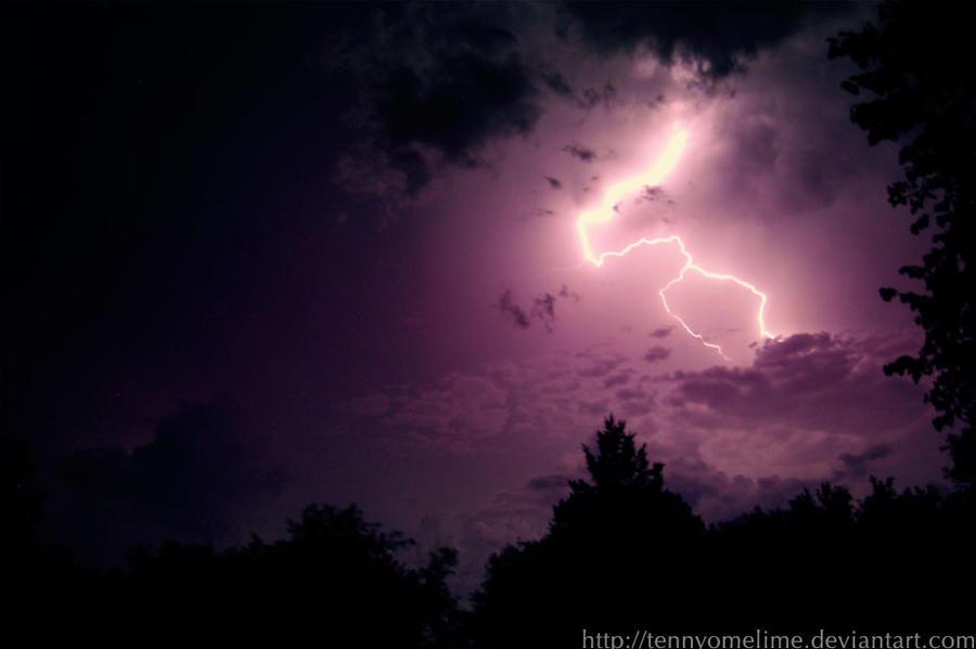 Lightning Strike by tennyomelime