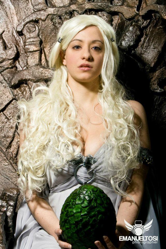 Daenerys Targaryen Cosplay by CantoriDelWesteros on DeviantArt