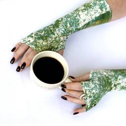 Green Marble stretch fingerless gloves