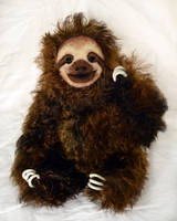 Moreno the Sloth by Je-Suis-Lugly