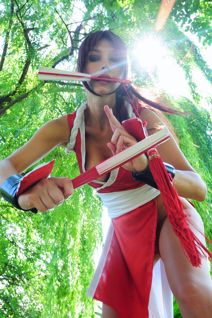 Mai Shiranui, fans and sun by Giorgiacosplay