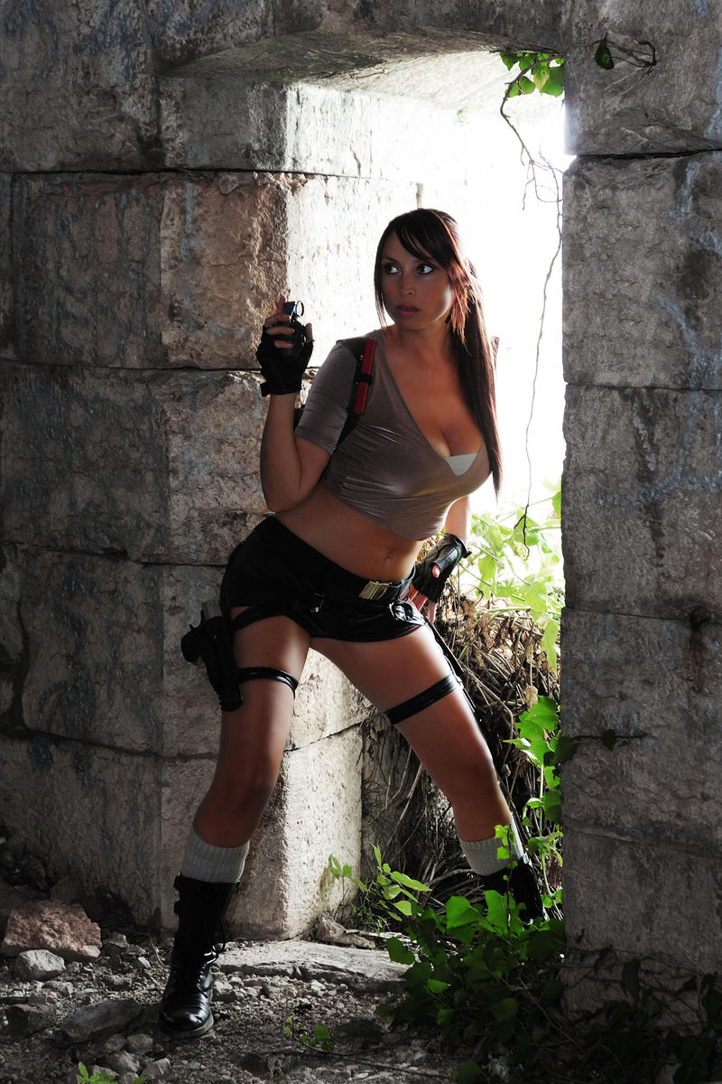 Lara jolie escort