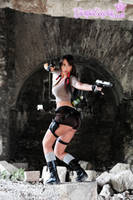 Lara Croft...fight! by Giorgiacosplay