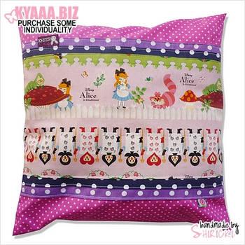 Pillow - Alice in Wonderland by shiricki