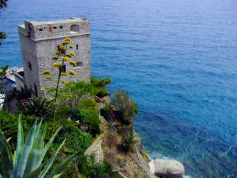 Seaside fortress by SaBi88