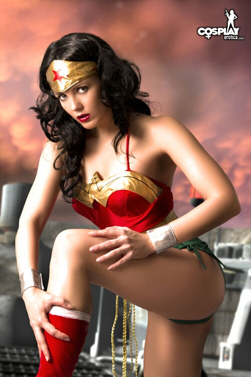 Very wonder woman cosplay nude