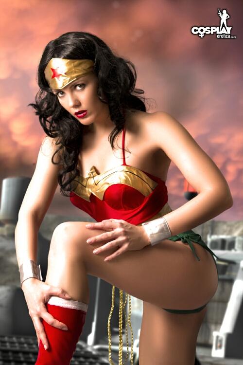 Very wonder woman cosplay nude