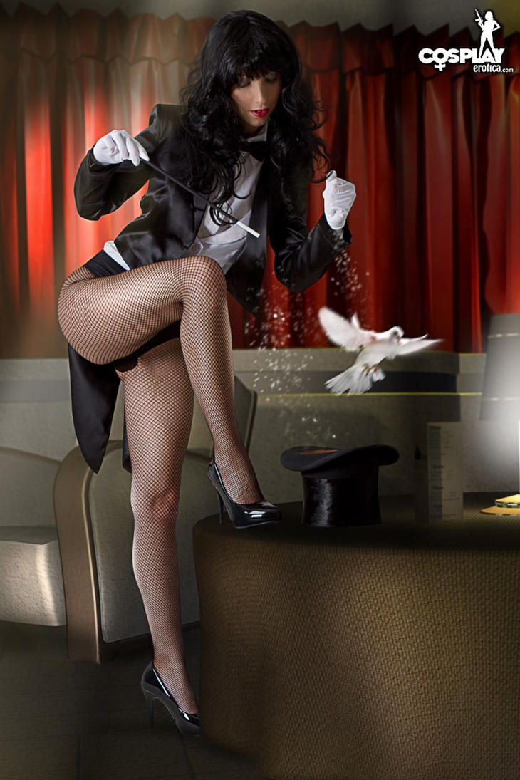 Yay, it's me:) Zatanna cosplay by cosplayerotica