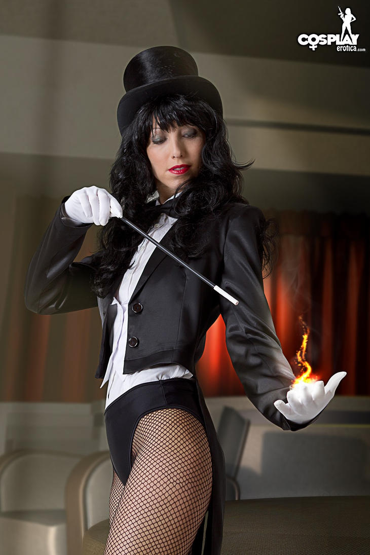 More Zatanna for HollowxIchigo15 by cosplayerotica