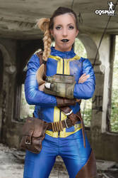 Anoter nice Fallout vault chick by cosplayerotica