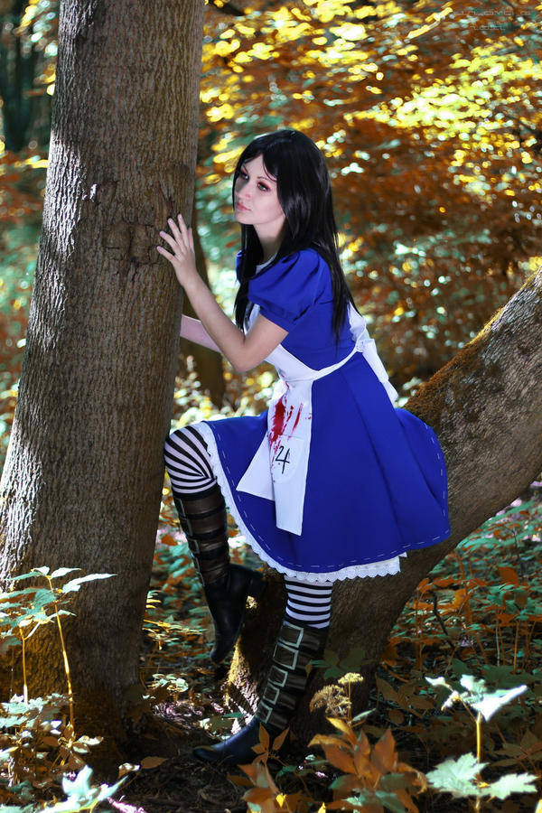 Alice_05 by Sangvinar
