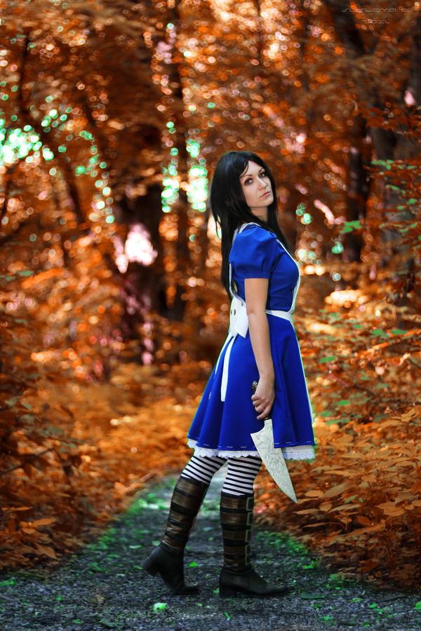Alice_11 by Sangvinar