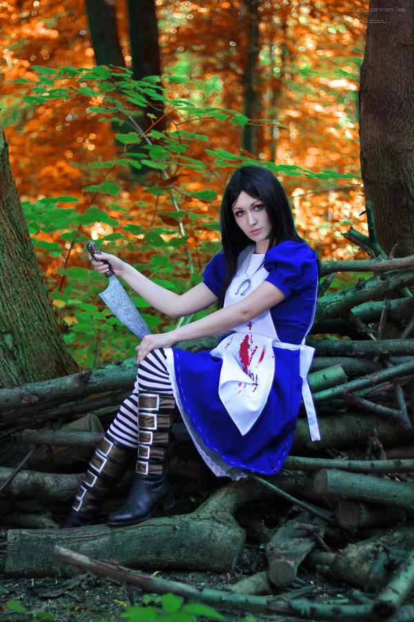 Alice_14 by Sangvinar