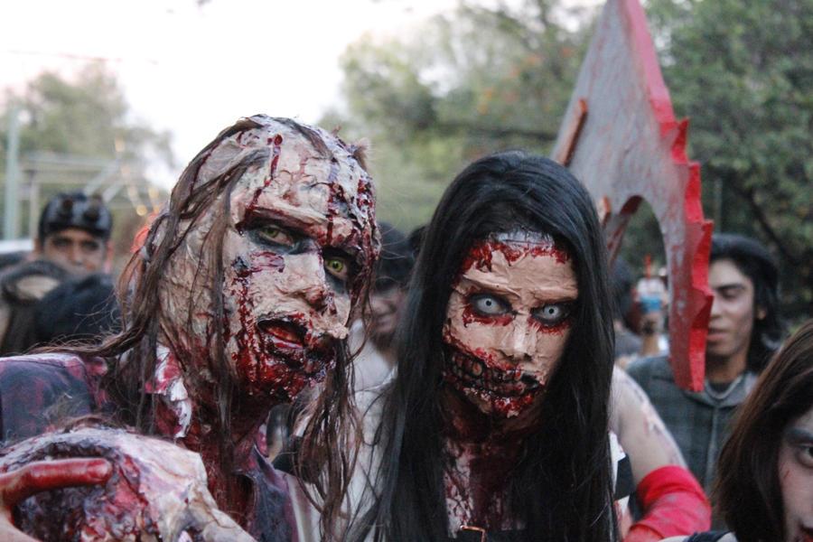 Two zombies by Zeendal