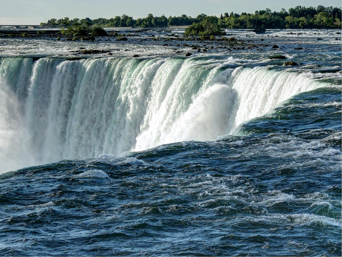 Roaring waters by MisterKrababbel