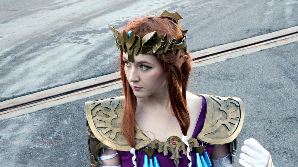 Princess Zelda Outside Shot #3 by geekypandaphotobox