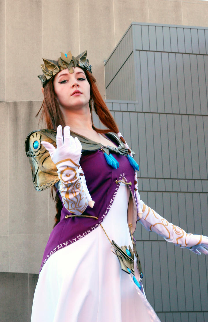 Princess Zelda Outside Shot #4 by geekypandaphotobox