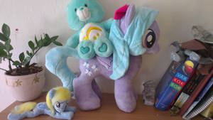 Ponies and carebears!