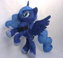Poseable Princess Luna plushie