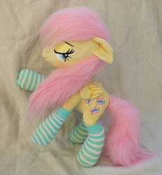 Poseable small plush Fluttershy