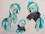 Lyra beanie hovering pose, poseable by Epicrainbowcrafts