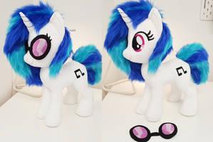 <b>DJ Pony / Vinyl Scratch W Goggles Medium Plushie</b><br><i>Epicrainbowcrafts</i>