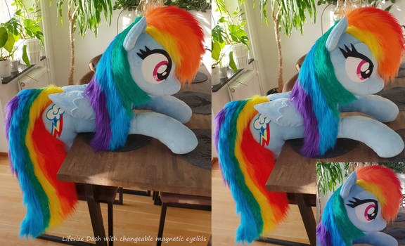 Lifesize Dash with magnetic eyelids - faux fur