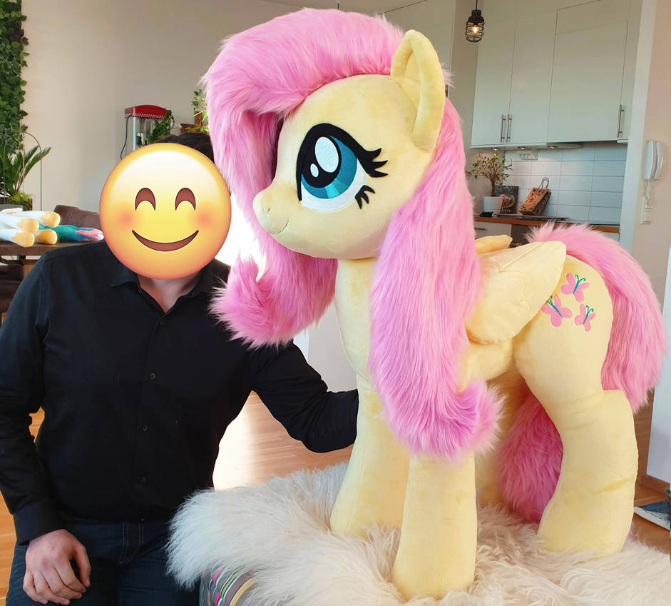 Cuddle size Fluttershy standing version