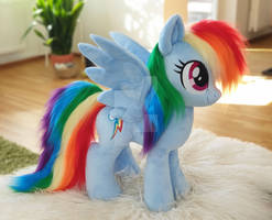 Large size Rainbow Dash with faux fur