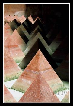 Piramides verde-rojo