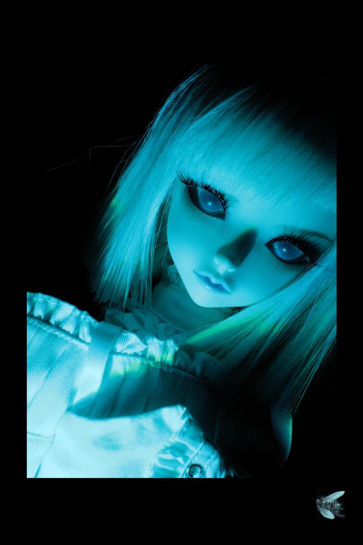 http://th04.deviantart.net/fs71/PRE/i/2010/049/0/5/Deep_blue_by_Syrkell.jpg