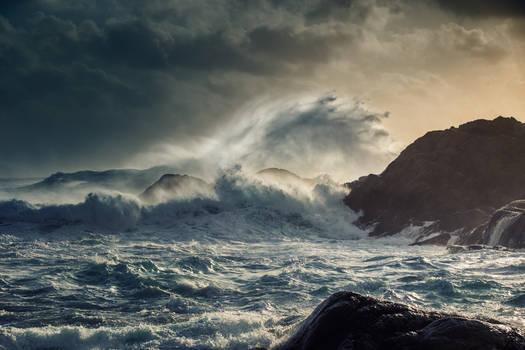 Crumbling sea II
