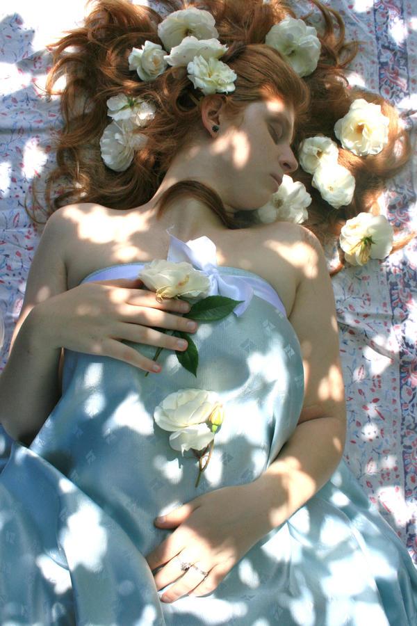 Sleeping Beauty 2 by Chamarjin