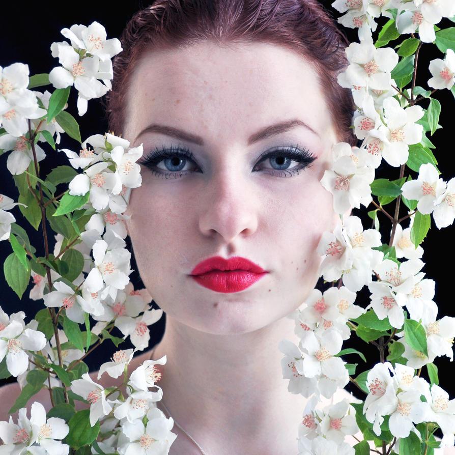 Summerflowers by LotsOfLowe