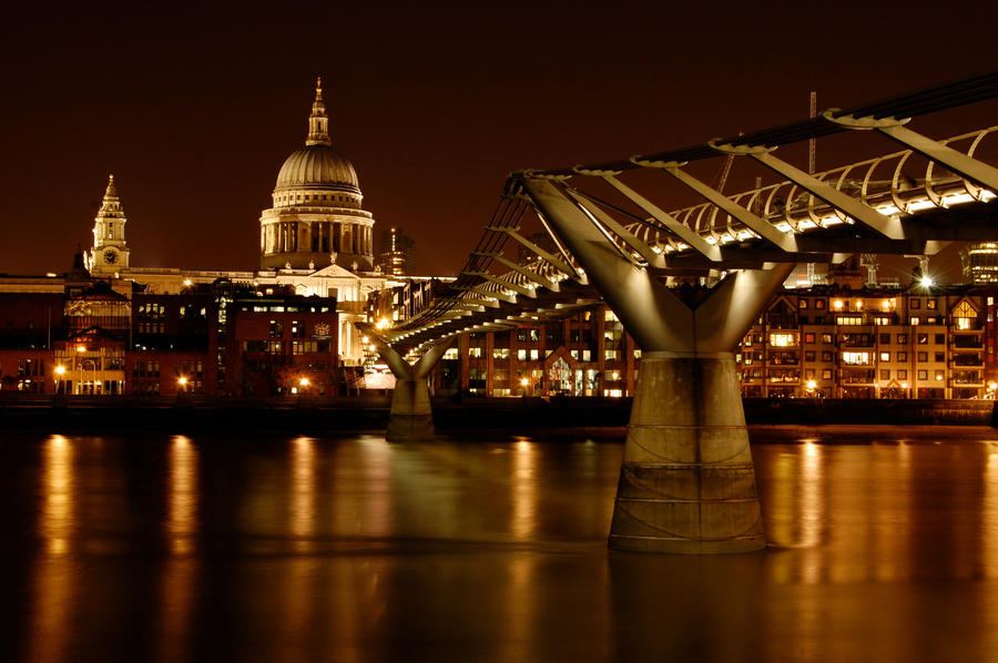 Towards St. Paul's by spendavis