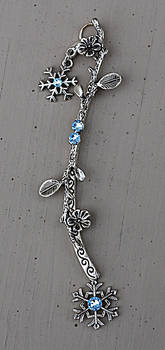 Snowy Branch Necklace