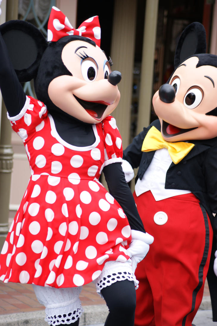 Mickey and Minnie by SonicHearts