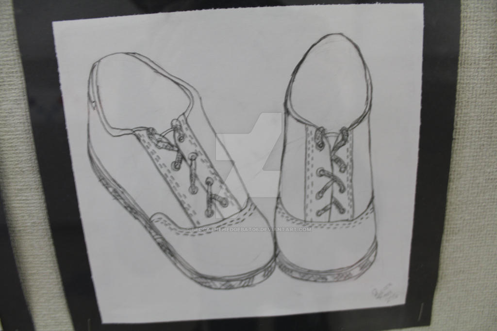 Contour Line Drawing Of Shoes : Contour line drawing shoes by beccathehedgebat on