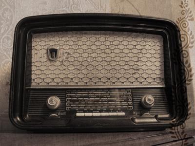 مشاركتي في مسابقة هل تعلم old_radio_by_marysha
