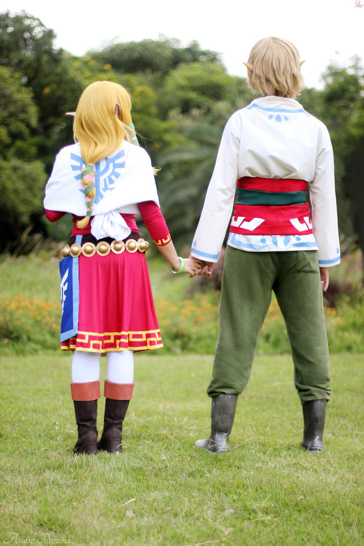 Zelda and Link Skyward Sword cosplay by LayzeMichelle