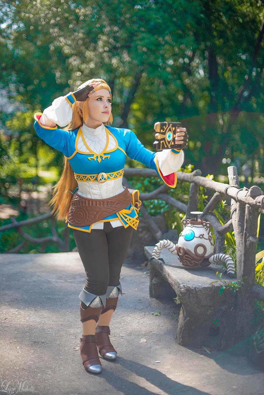 Princess Zelda Cosplay   Breath of the Wild