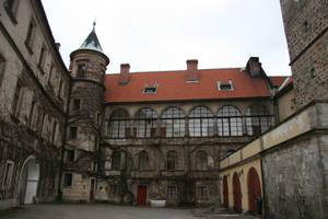 Castle Hruba Skala - Courtyard by NimwenSiradon