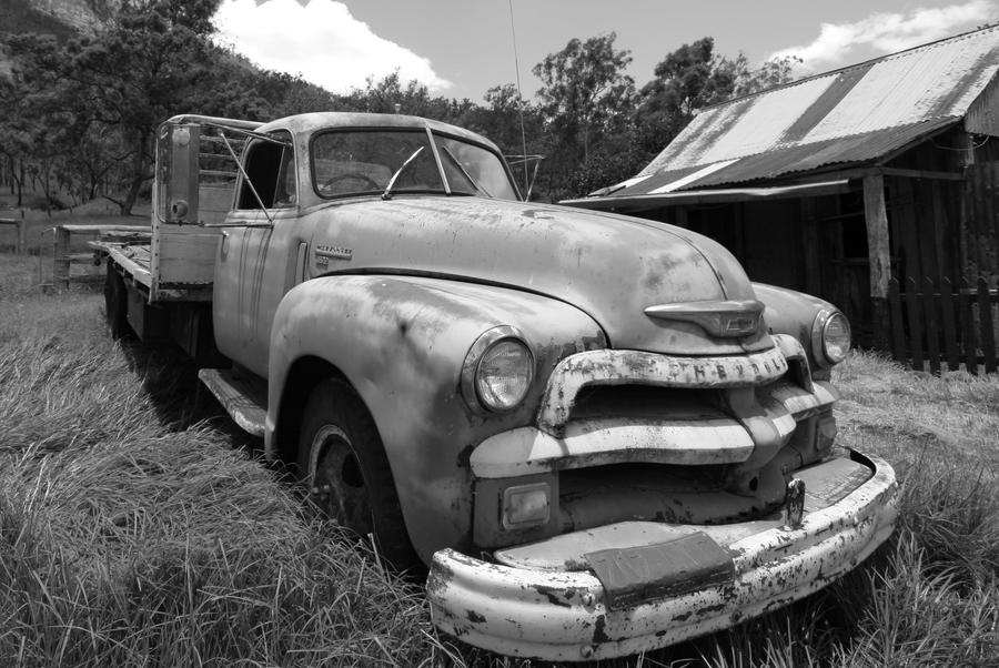 Old Truck by HeyNay