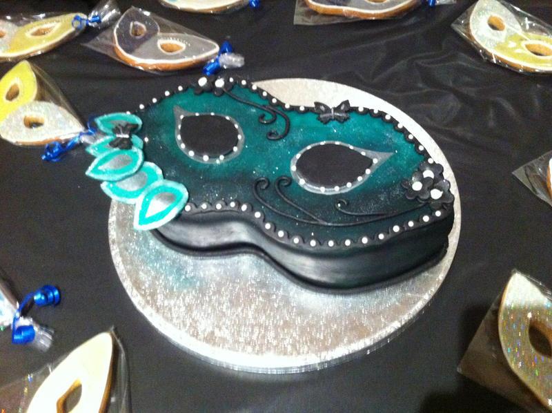 Masquerade Cake by Kelzky