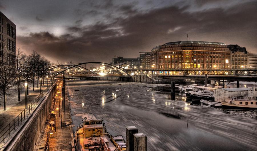 Hamburg Winter by teuphil