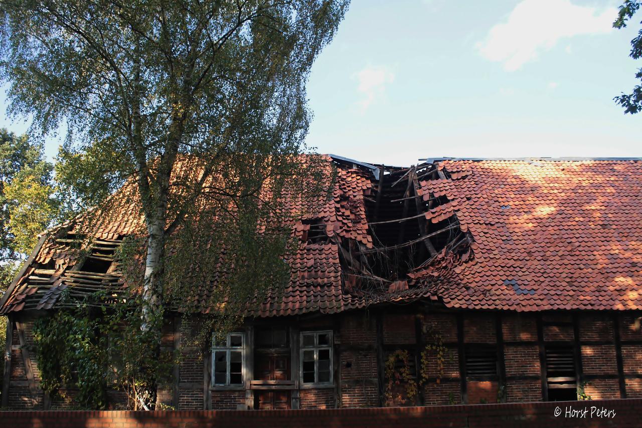 Old Farmhouse 3 by bluesgrass