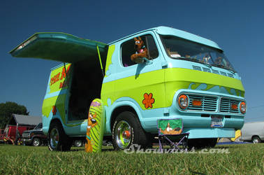 Scooby Doo van by virtualvanner