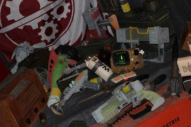 Assorted Fallout Items by skynetbeta