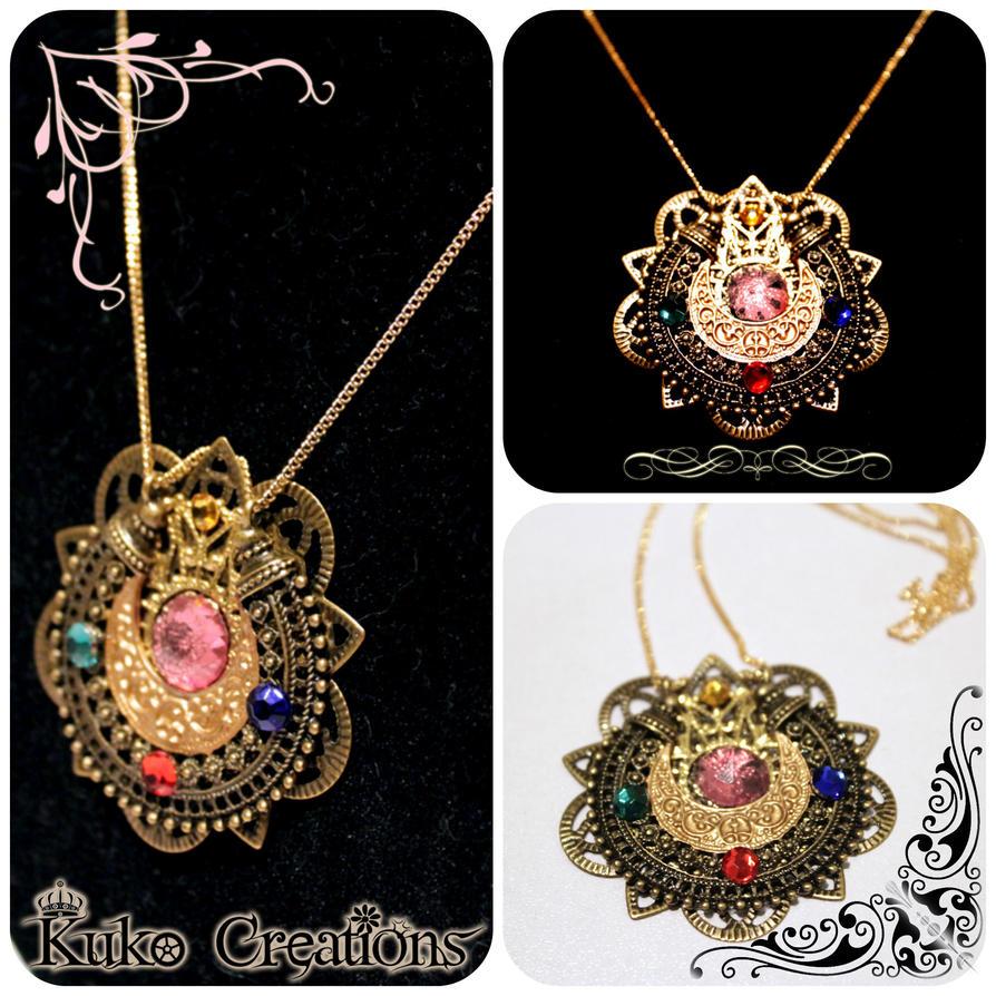 Sailor Moon Vintage Locket Necklace by ZTKuko